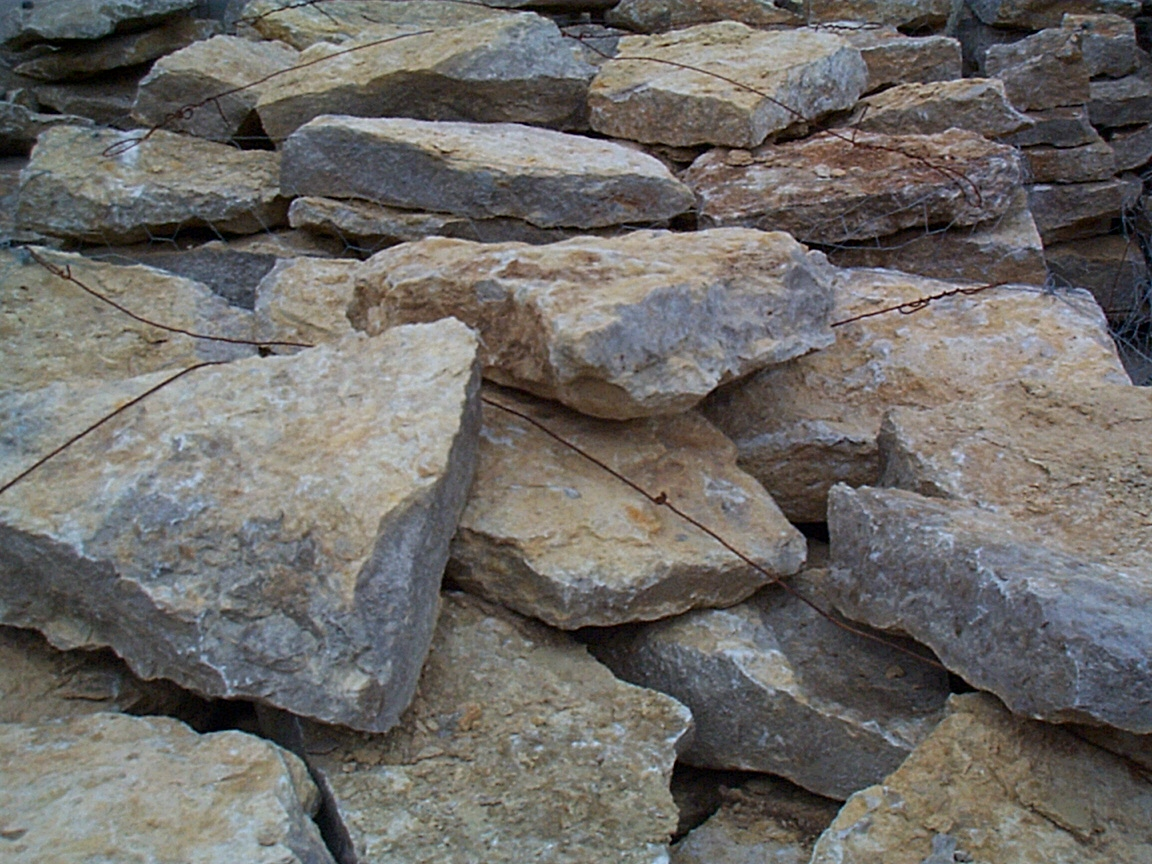 Gerbie plan landscaping rocks and stones decorative rocks for Decorative landscaping rocks